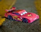 السيارة الحمراء ديزني